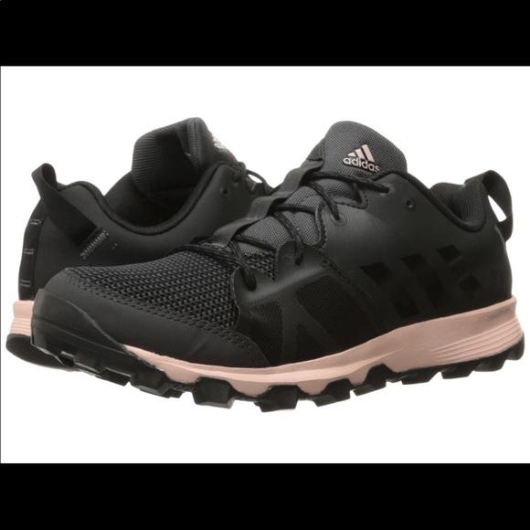 adidas Women's Kanadia 8 TR Trail Running Shoe